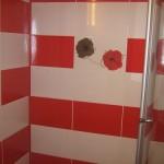 faianta baie alb rosu