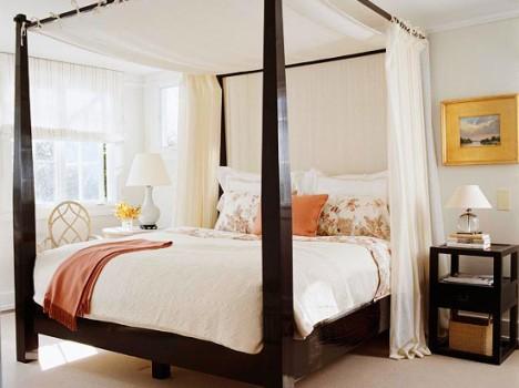 model de dormitor mare cu pat din lemn masiv maro cu lampi eco